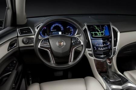 Cadillac SRX II: салон
