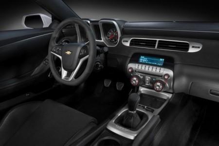 Chevrolet Camaro 2014: салон