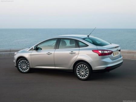 Ford Focus 3 седан: вид сбоку