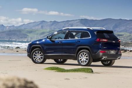Jeep Cherokee 2014: вид сбоку