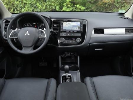 Mitsubishi Outlander 3 2015: салон