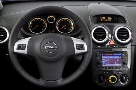 Opel Corsa D 4: салон