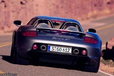 Porsche Carrera GT: вид сзади