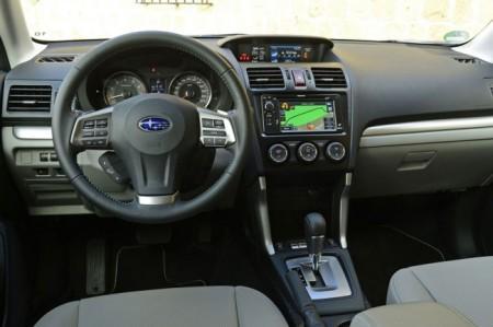 Subaru Forester 4: салон
