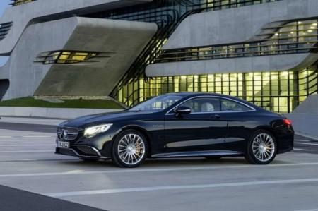 Mercedes S65 AMG Coupe: вид сбоку