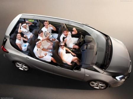Opel Zafira Tourer: интерьер