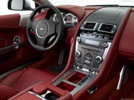 Aston Martin DB9 салон