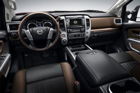 Nissan Titan XD салон