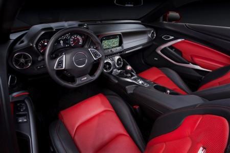 Chevrolet Camaro 6 салон