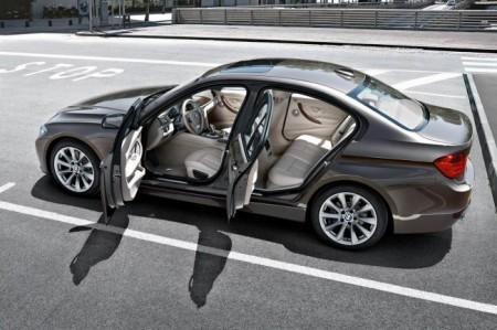 BMW 3 (F30): открытые двери