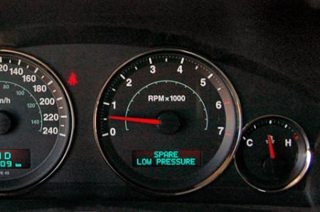 Как контролировать давление в шинах7