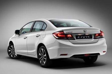 Honda Civic 4D седан: вид сзади