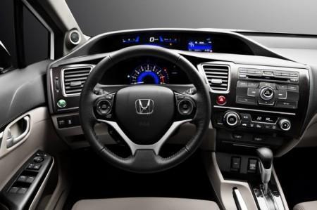Honda Civic 4D седан: салон