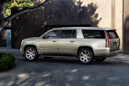 Cadillac Escalade 4: вид сбоку