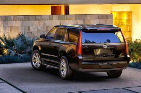 Cadillac Escalade 4: вид сзади