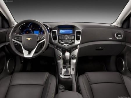 Chevrolet Cruze 2013: салон