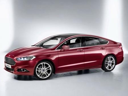 Ford Mondeo 5: вид сбоку