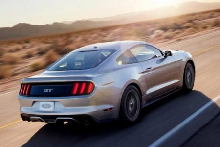 Ford Mustang 6: вид сзади