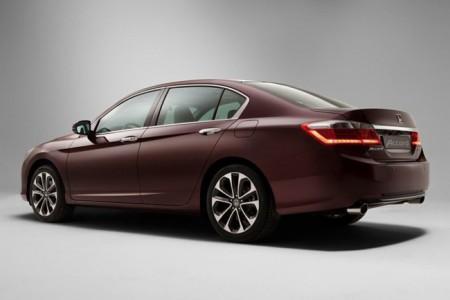 Honda Accord 9: вид сзади