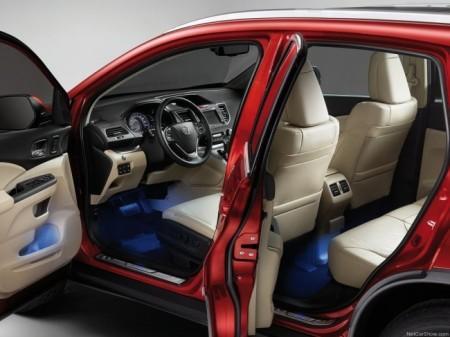 Honda CR-V 4: интерьер
