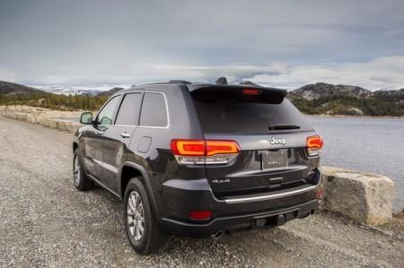 Jeep Grand Cherokee 2014: вид сзади