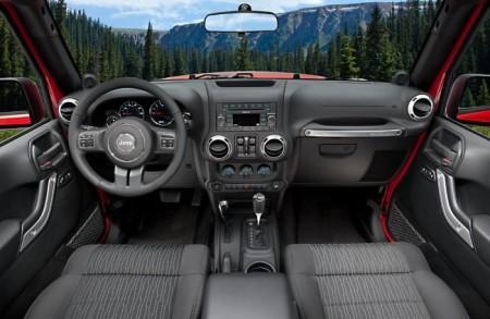 Jeep Wrangler Rubicon (JK): салон