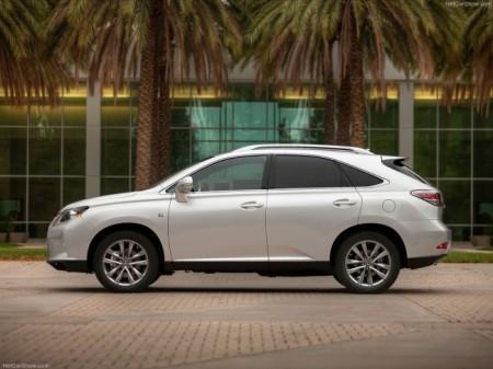 Lexus RX: вид сбоку