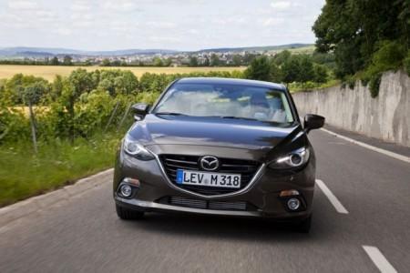 Mazda 3 2014: вид спереди