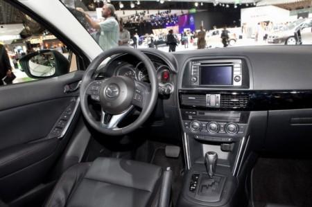 Mazda CX-5: салон