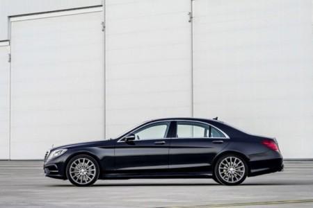 Mercedes S-Class W222: вид сбоку