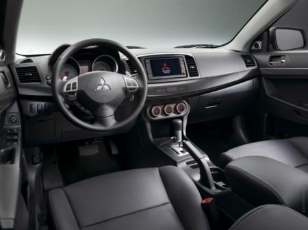 Mitsubishi Lancer X: салон