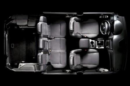 Mitsubishi Pajero 4: интерьер