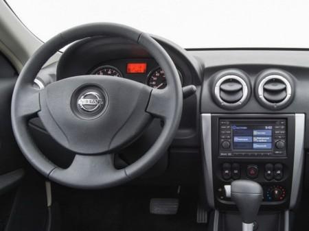 Nissan Almera (G11): салон