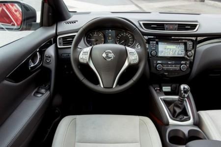 Nissan Qashqai 2: салон