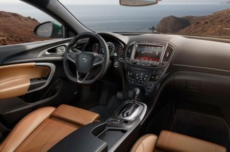 Opel Insignia 2014: салон