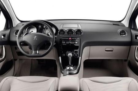 Peugeot 308: салон