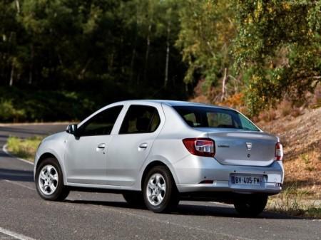 Renault Logan II: вид сзади