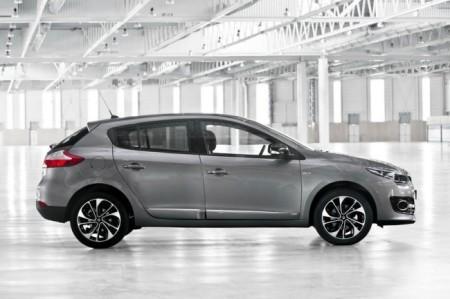 Renault Megane 3: вид сбоку