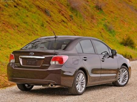 Subaru Impreza 4: вид сзади