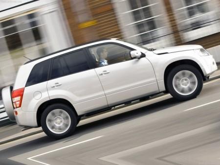 Suzuki Grand Vitara: вид сбоку