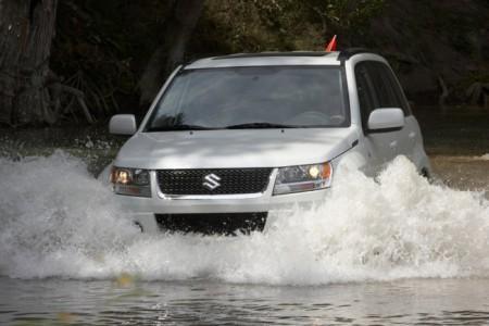 Suzuki Grand Vitara: вид спереди