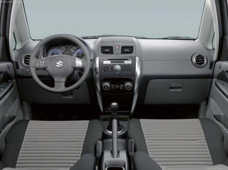 Suzuki SX4:  салон
