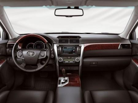 Toyota Camry (V50): салон