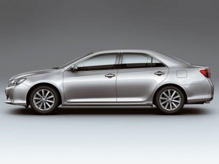 Toyota Camry (V50): вид сбоку