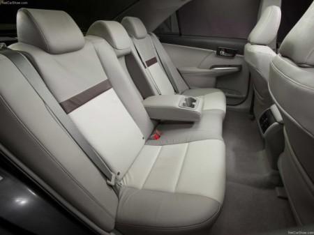 Toyota Camry (V50): интерьер