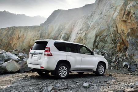 Toyota Land Cruiser Prado 150: вид сзади