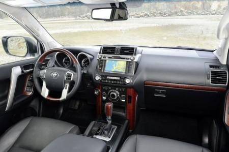 Toyota Land Cruiser Prado 150: салон