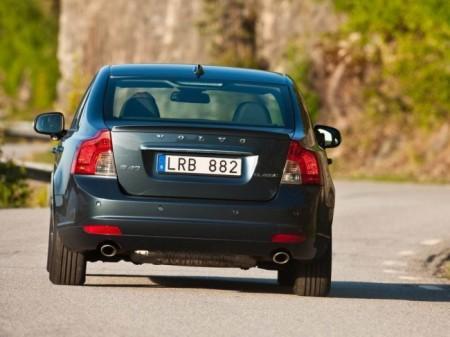 Volvo S40 2: вид сзади