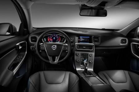 Volvo S60 2 (2014): салон