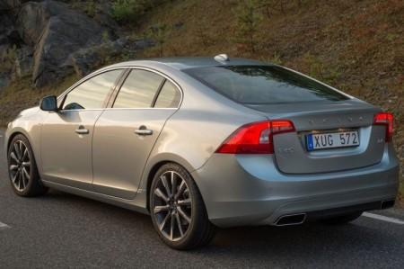 Volvo S60 2 (2014): вид сзади